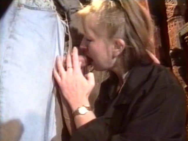 Une femme salope sodomisée par plusieurs mecs