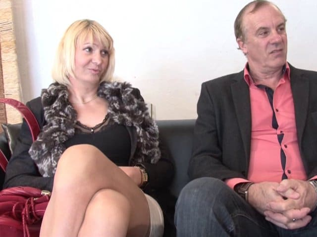 Porno amateur femme mûre blonde gourmande