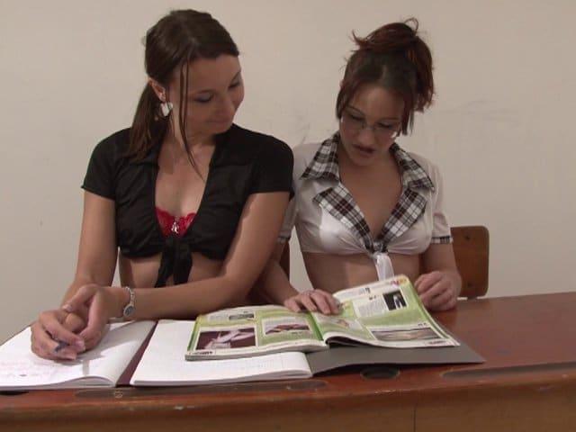 Trio sexe d'un prof vicieux et deux étudiantes perverses